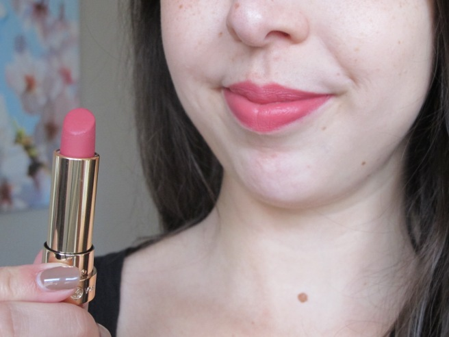 lip swatch grand rouge yves rocher mat 150